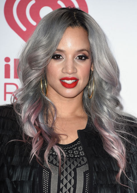 dascha-polanco-gray-silver-hair-2
