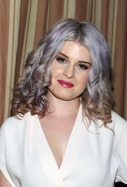 kelly-osbourne-gray-silver-hair