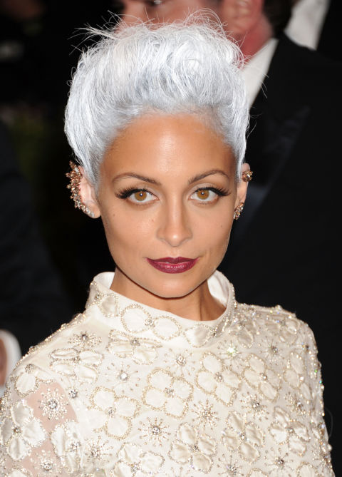 nicole-richie-gray-silver-hair
