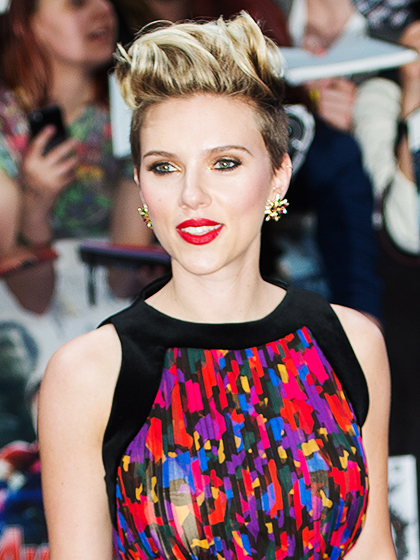 "LONDON, ENGLAND - APRIL 21: Scarlett Johansson attends the European premiere of ""The Avengers: Age Of Ultron"" at Westfield London on April 21, 2015 in London, England. (Photo by Samir Hussein/Getty Images)"