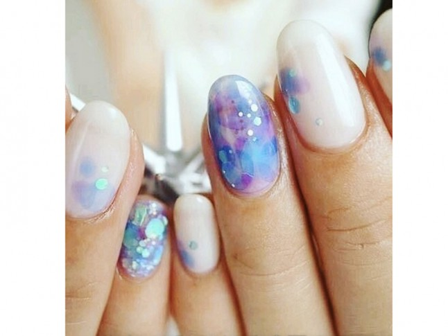 Nail Art Trend: Aquarium Nails Are Now A Thing