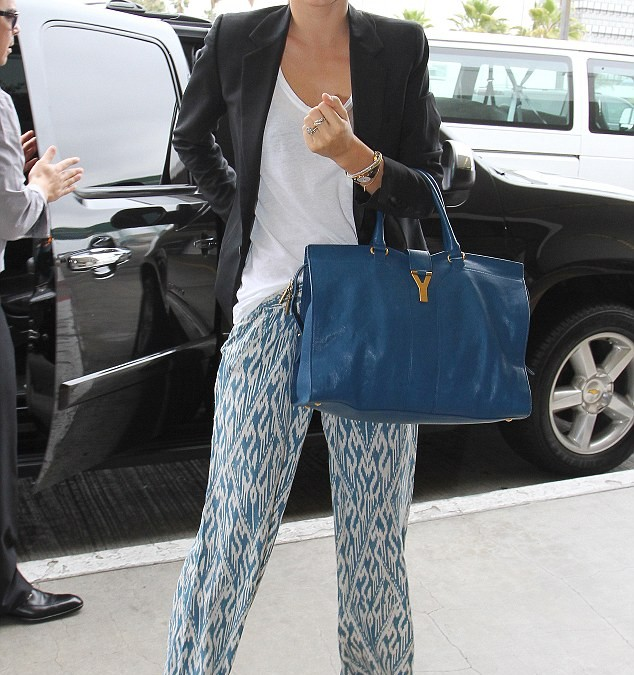 How To Look Stylish At The Airport