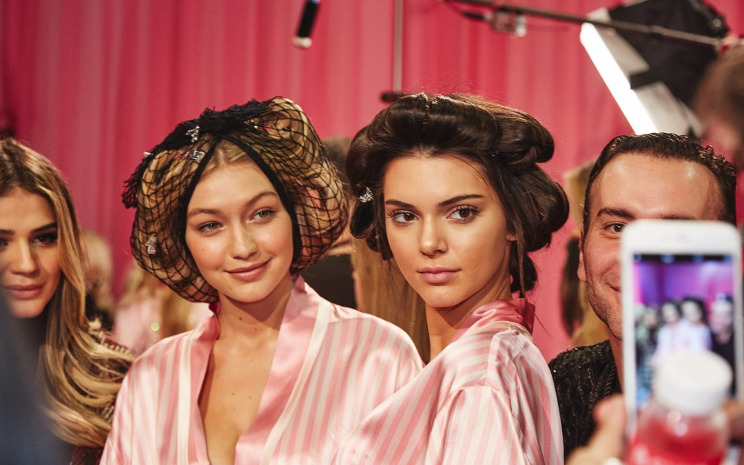 """Non-Touring"" Is the New Trend That Will Make You Look Like A Supermodel"